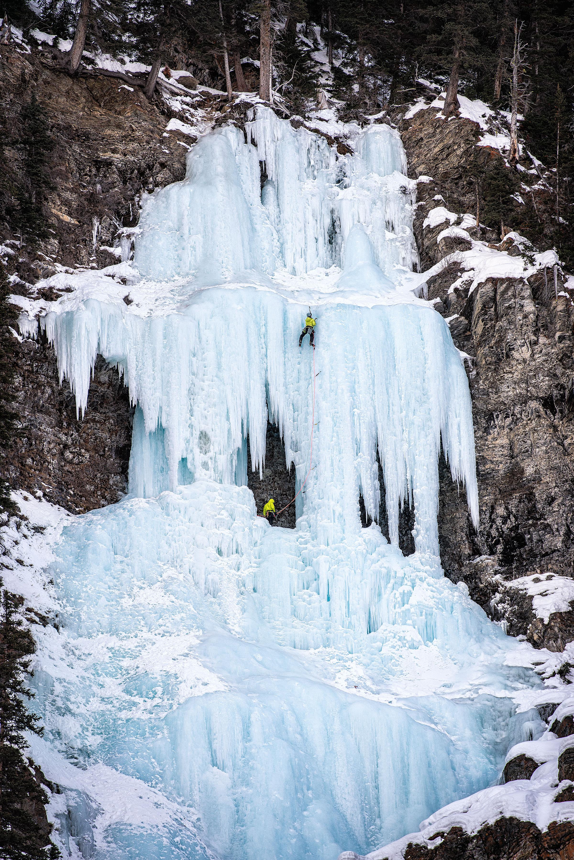 austin-trigg-ice-climbing-banff-Upper-Lake-Louise-Pillar-waterfall.jpg