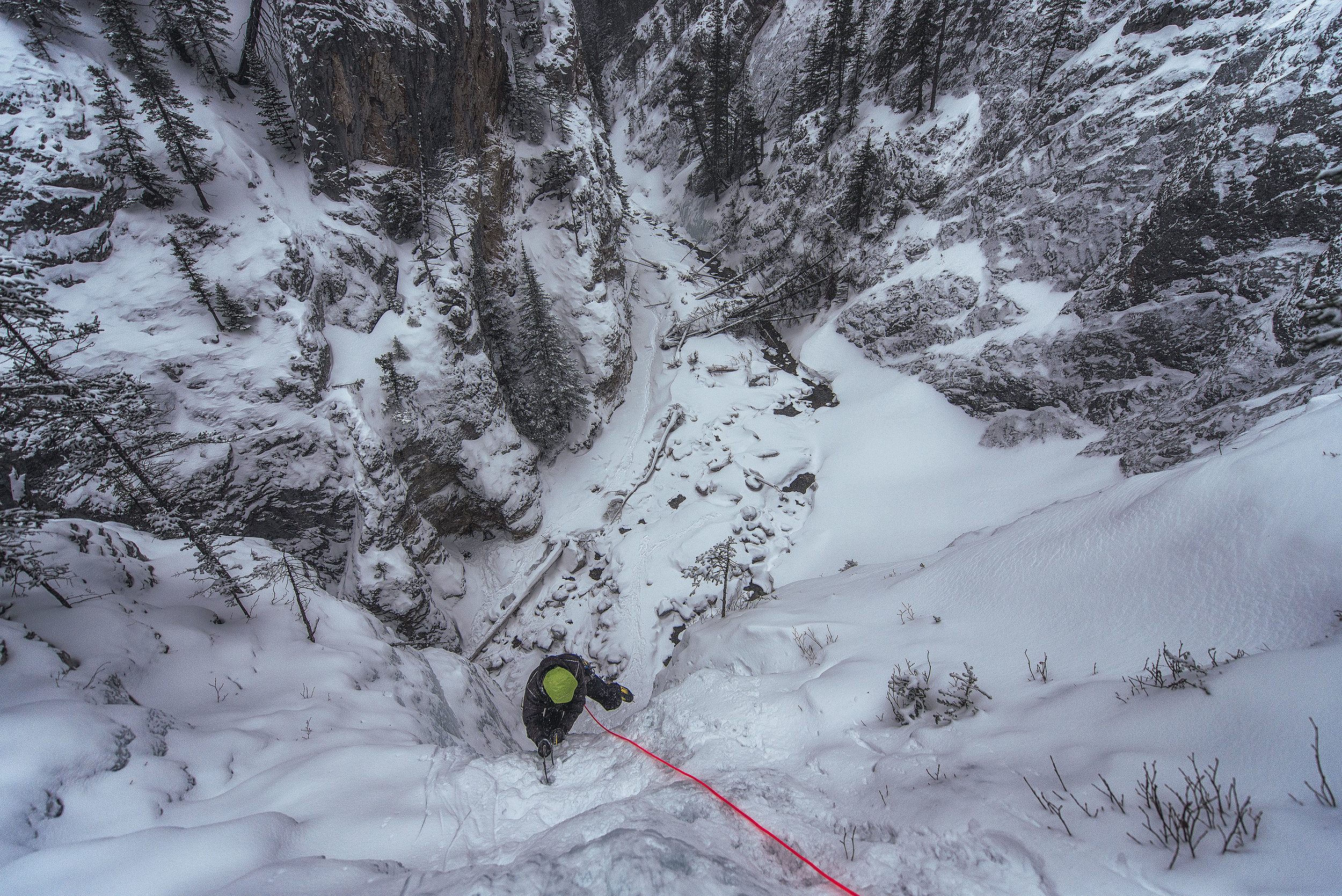 austin-trigg-ice-climbing-king-creek-alberta.jpg