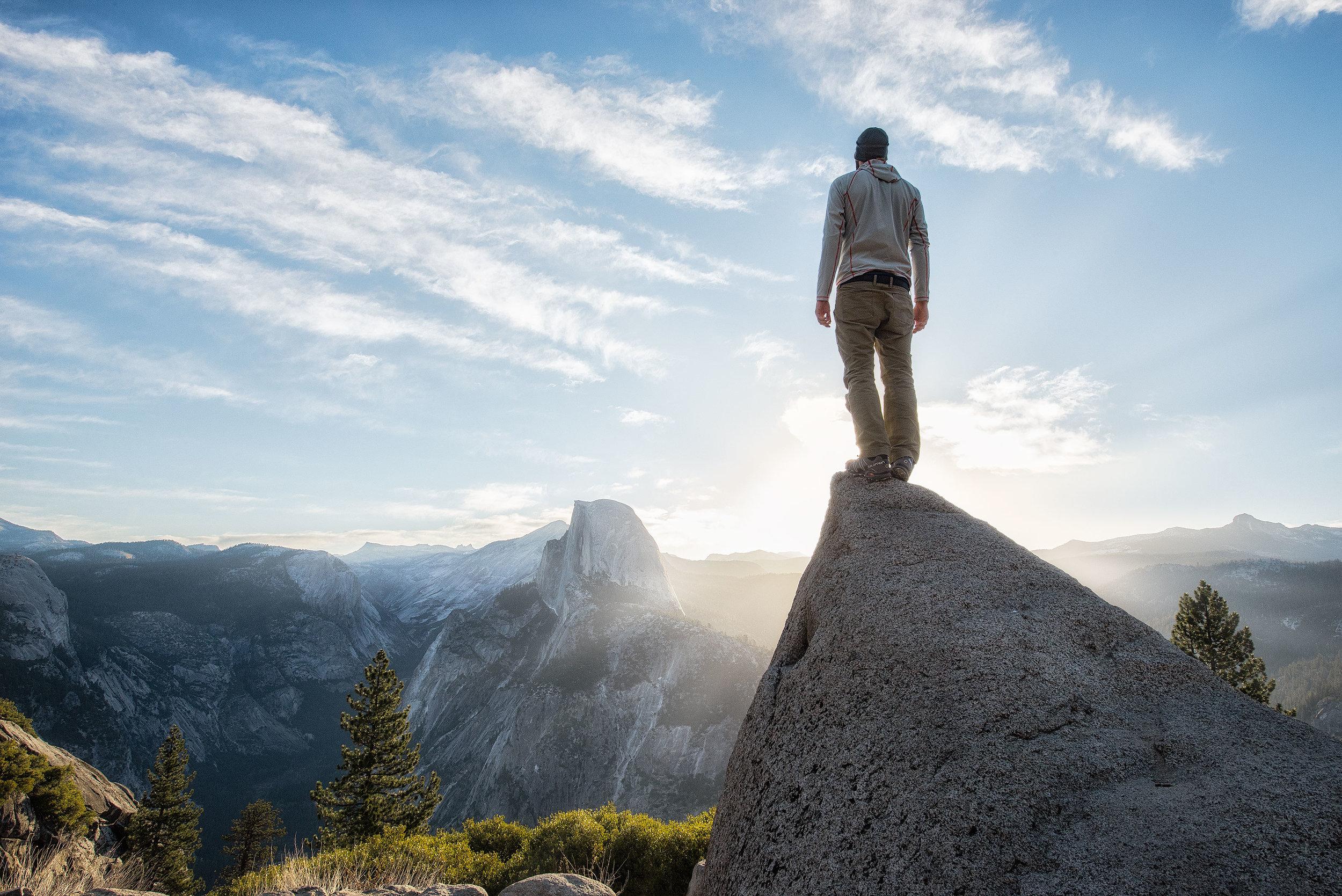 austin-trigg-yosemite-national-park-Glacier-point-sunrise-half-dome-california-hiking-adventure.jpg