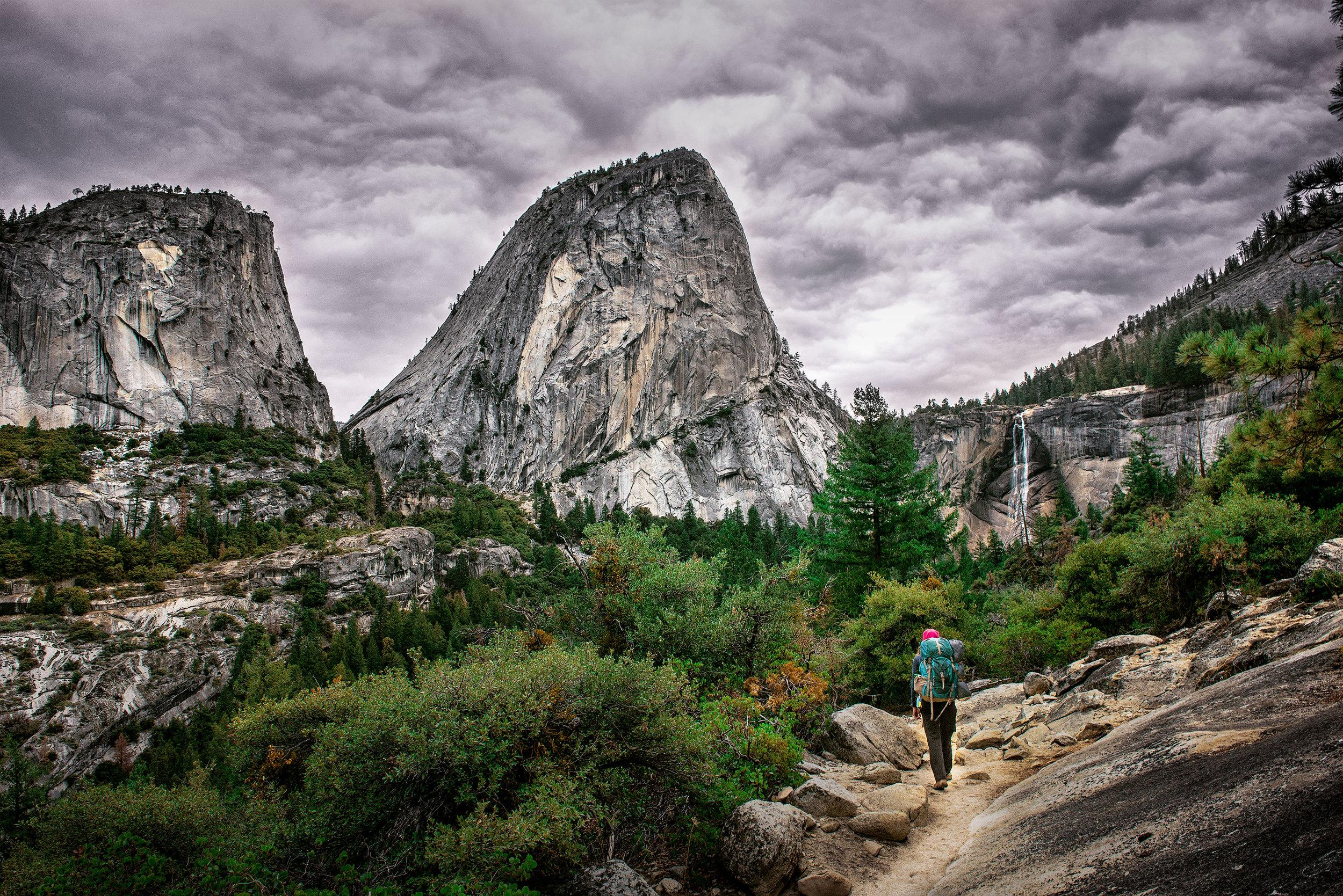 austin-trigg-yosemite-national-park-hiking-waterfall-dome-rock-trail-liberty-Cap.jpg