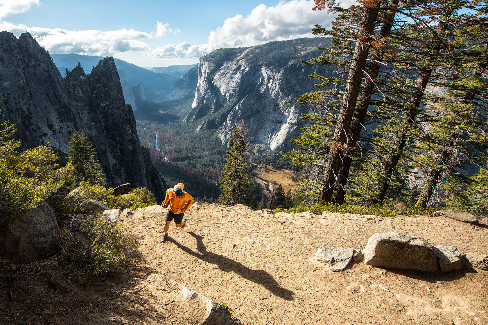 austin-trigg-yosemite-national-park-trail-Running-four-4-Mile-Trail-california-valley-adventure-afternnon-run.jpg