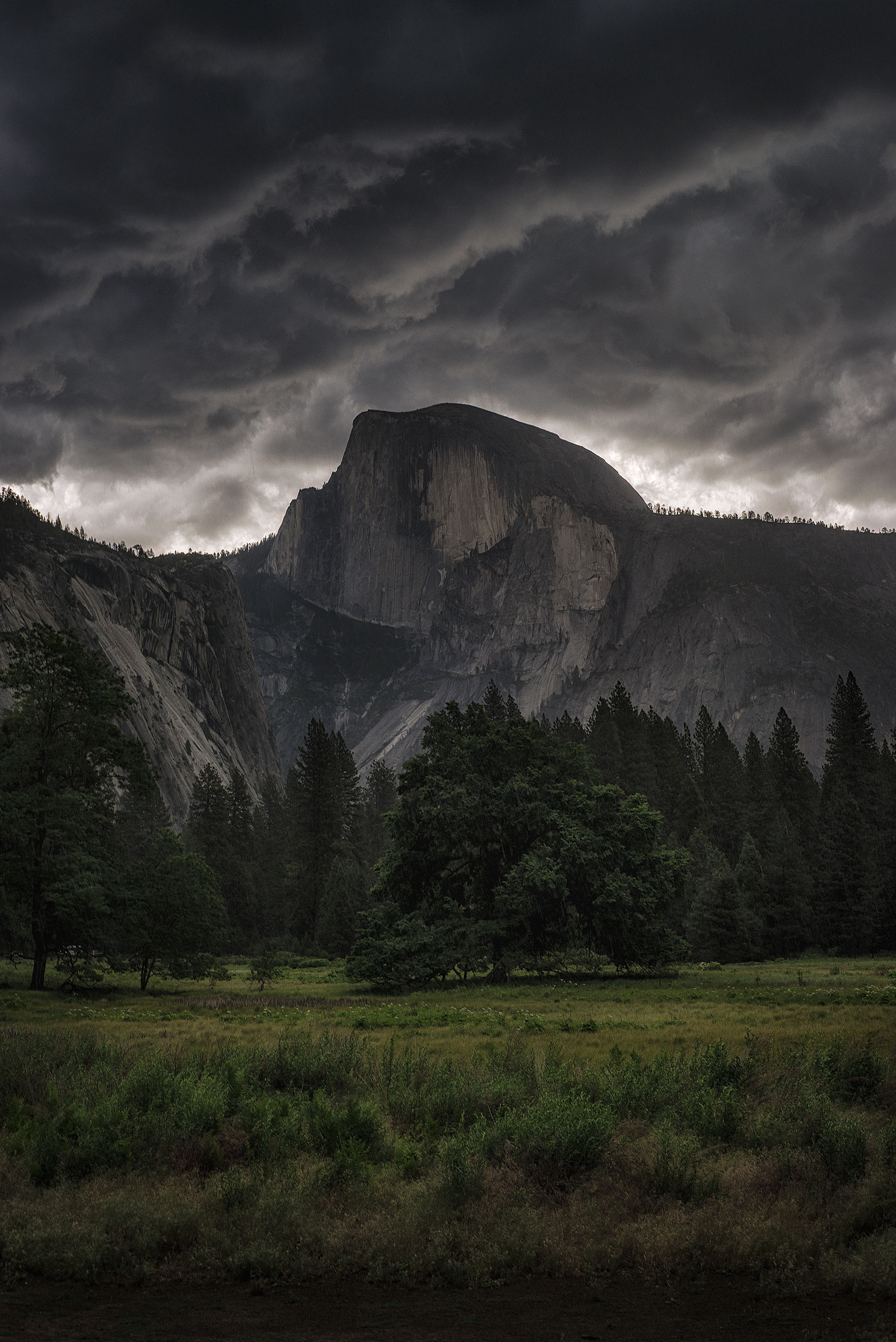 austin-trigg-yosemite-national-park-weather-clouds-storm-california-valley-Moody-Half-Dome.jpg