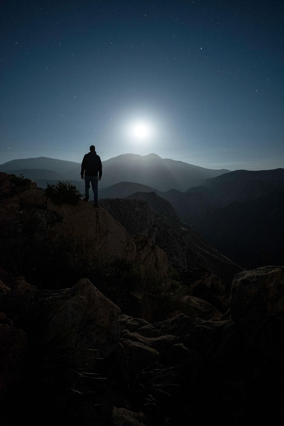 austin-trigg-southern-california-rising-moon-desert-mountains-moonrise-night-adventure.jpg