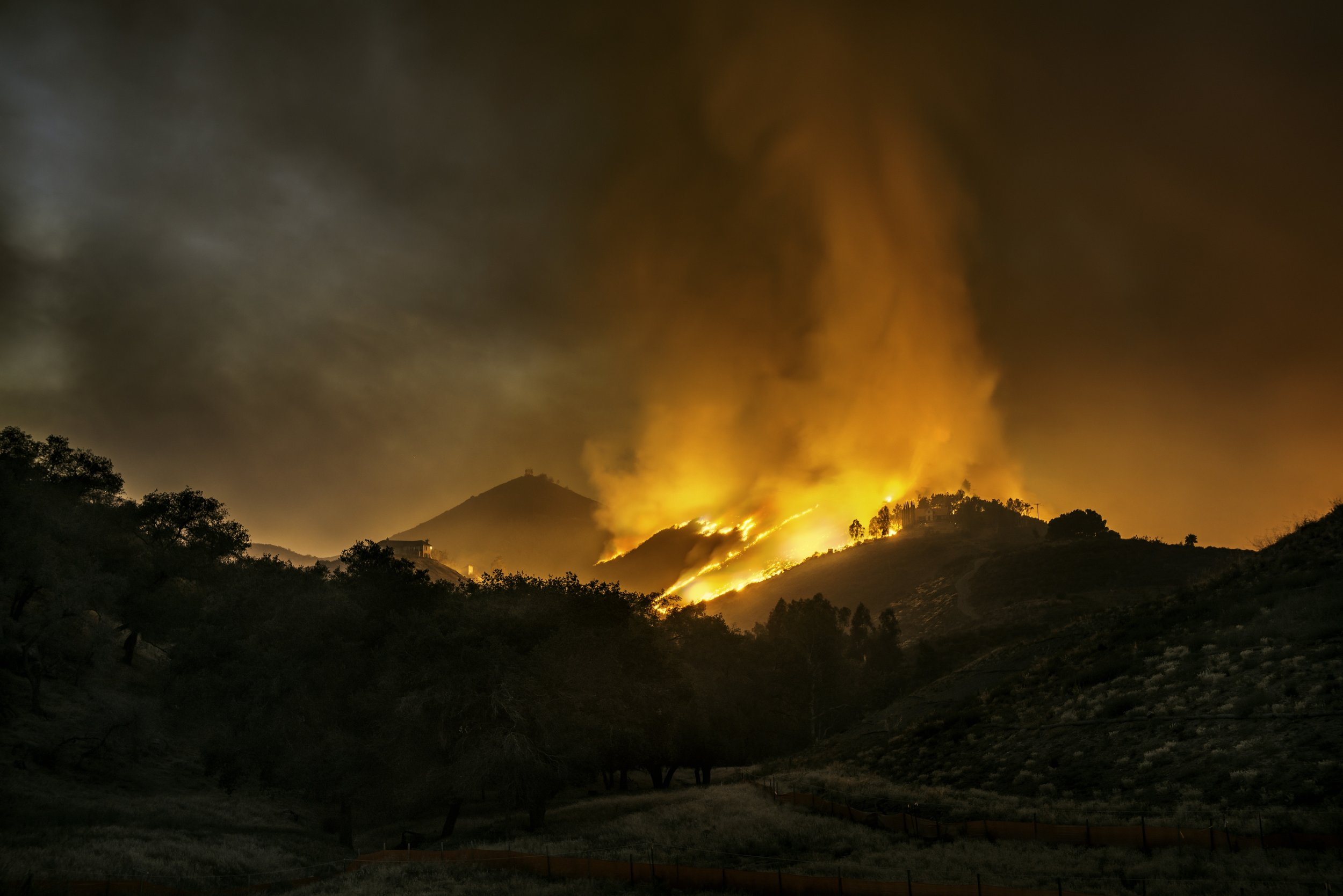austin-trigg-southern-california-forest-fire-wildfire-hills-night-long-exposure.jpg