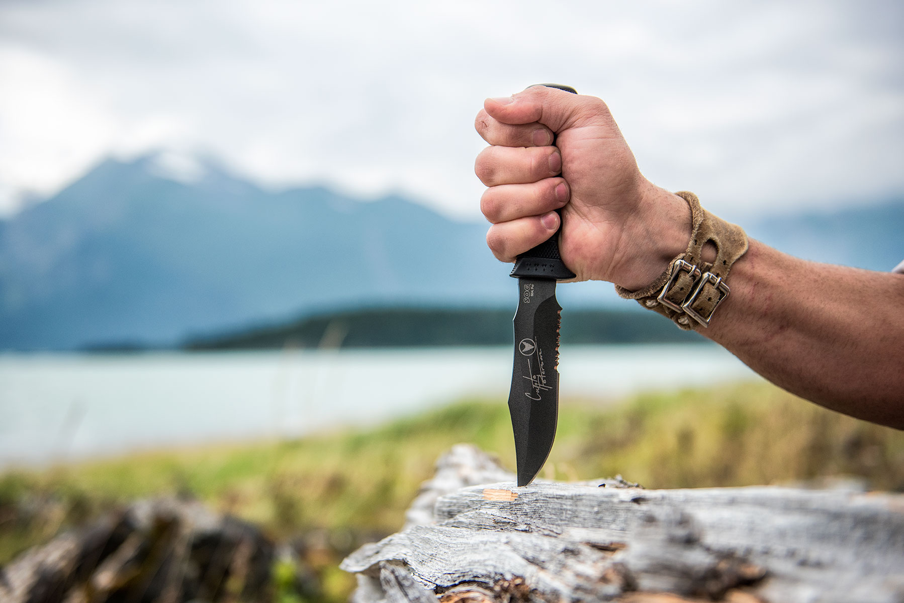austin-trigg-brave-wilderness-alaska-BW-Coyote-Sticks-Sog-Knife-DSC_8379-web.jpg