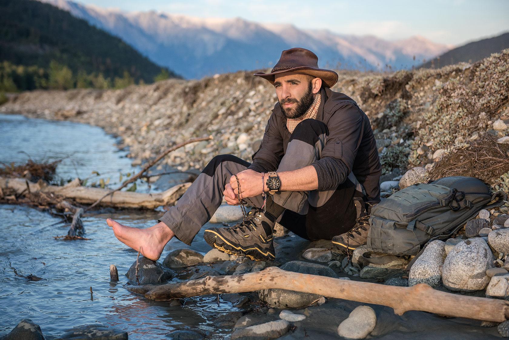 austin-trigg-brave-wilderness-alaska-BW-Coyote-Ties-keen-Boot-river.jpg