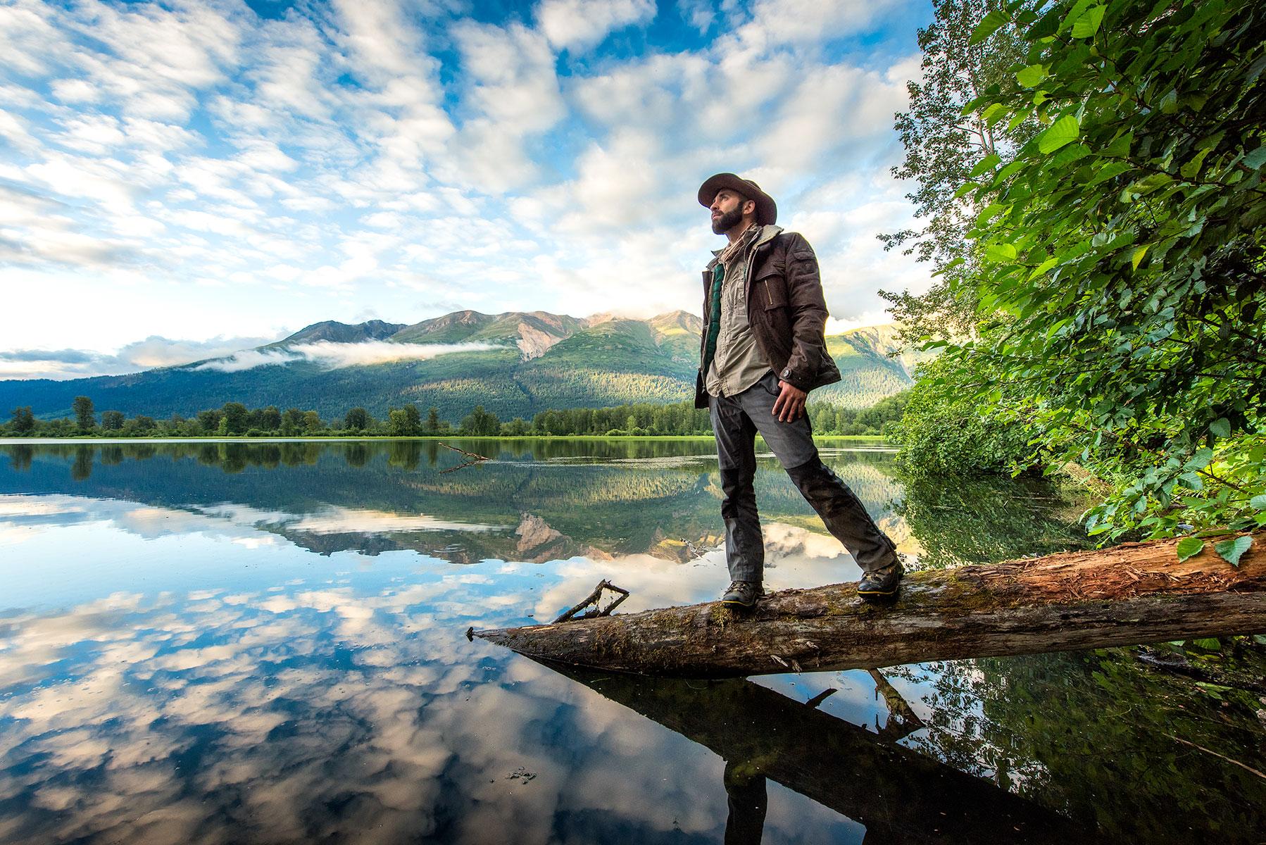 austin-trigg-brave-wilderness-alaska-Coyote-Mosquito-Lake-Standing-Log-Sunset.jpg