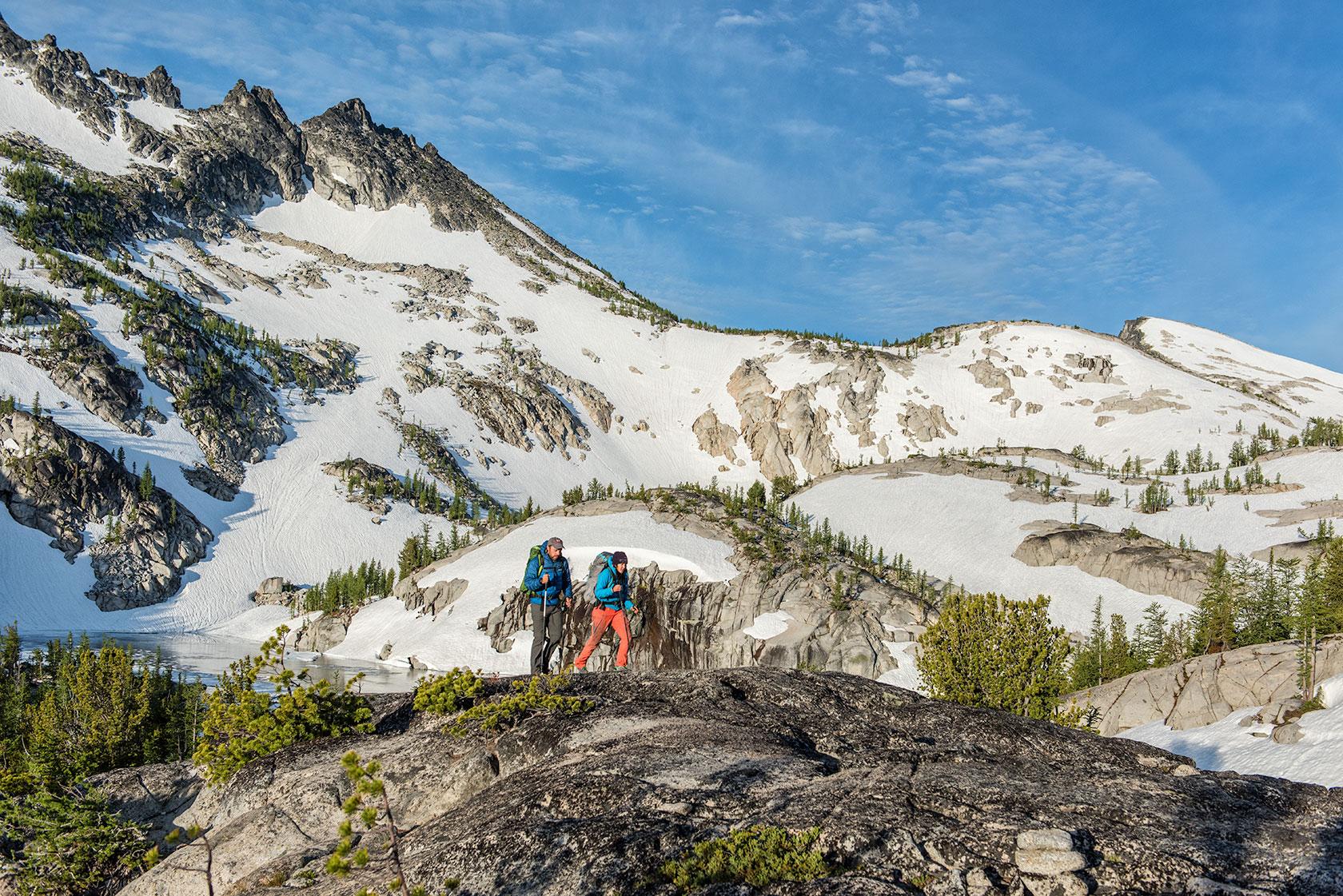 austin-trigg-osprey-hiking-backpacks-hike-camp-washington-adventure-morning-sunrise-lifestyle-outdoor-enchantments-snow-mountains-alpine-wilderness.jpg