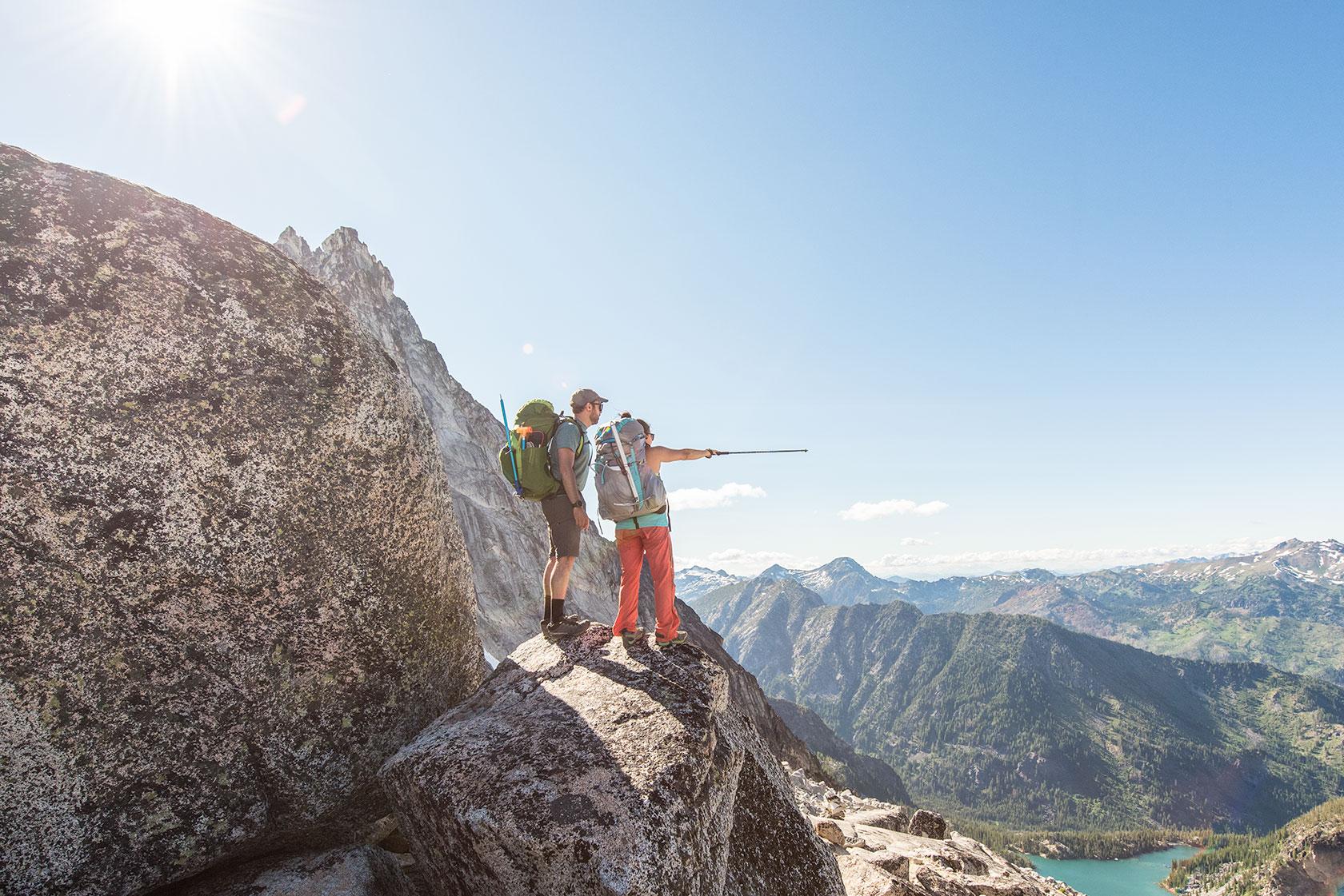 austin-trigg-osprey-hiking-backpacks-washington-lifestyle-morning-adventure-outdoor-active-hike-camp-sunrise-enchantments-point-adventure.jpg