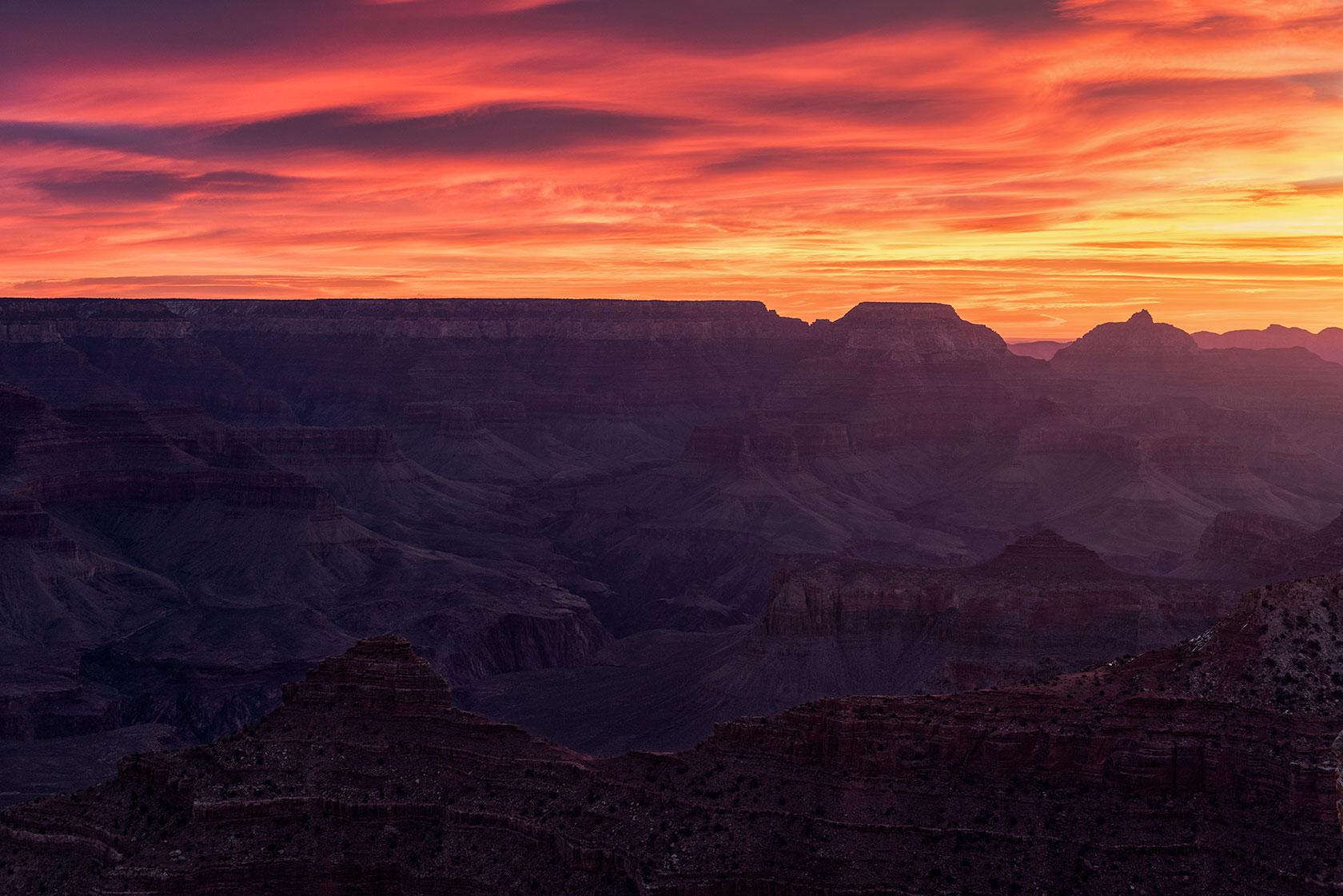 austin-trigg-osprey-hiking-backpack-hike-national-park-grand-canyon-desert-Sunrise-Mather-Point.jpg