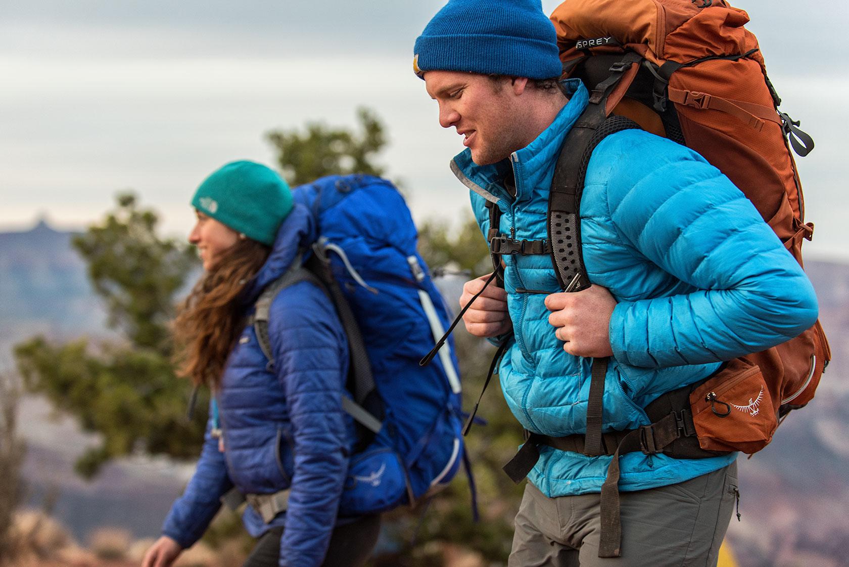 austin-trigg-osprey-hiking-backpacks-grand-canyon-osprey-pack-bag-arizona-hike-camp-lifestyle-couple-outdoor-adventure.jpg