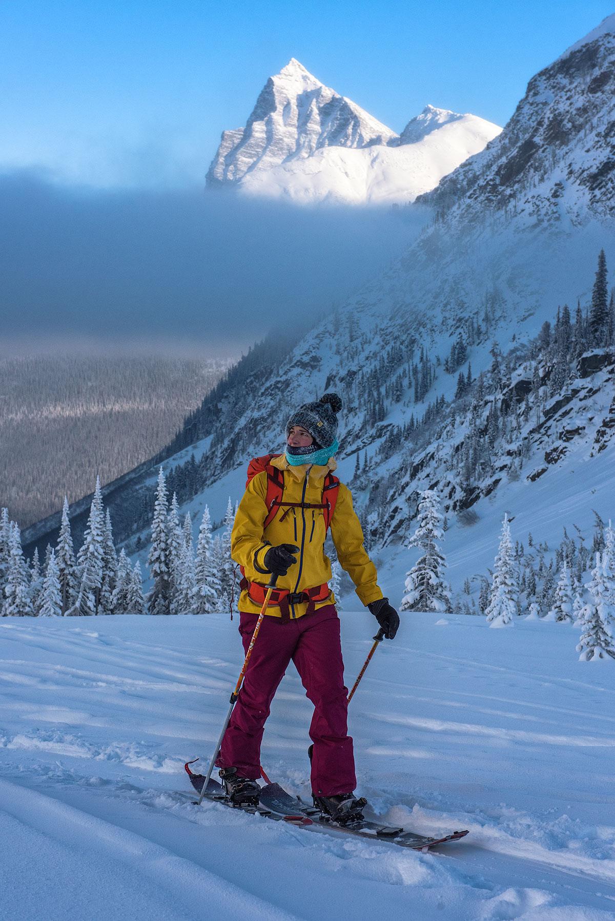 austin-trigg-patagonia-banff-alberta-winter-splitboard-rogers-pass-canada-inversion-layer-mountain-skin-tour-backcountry.jpg