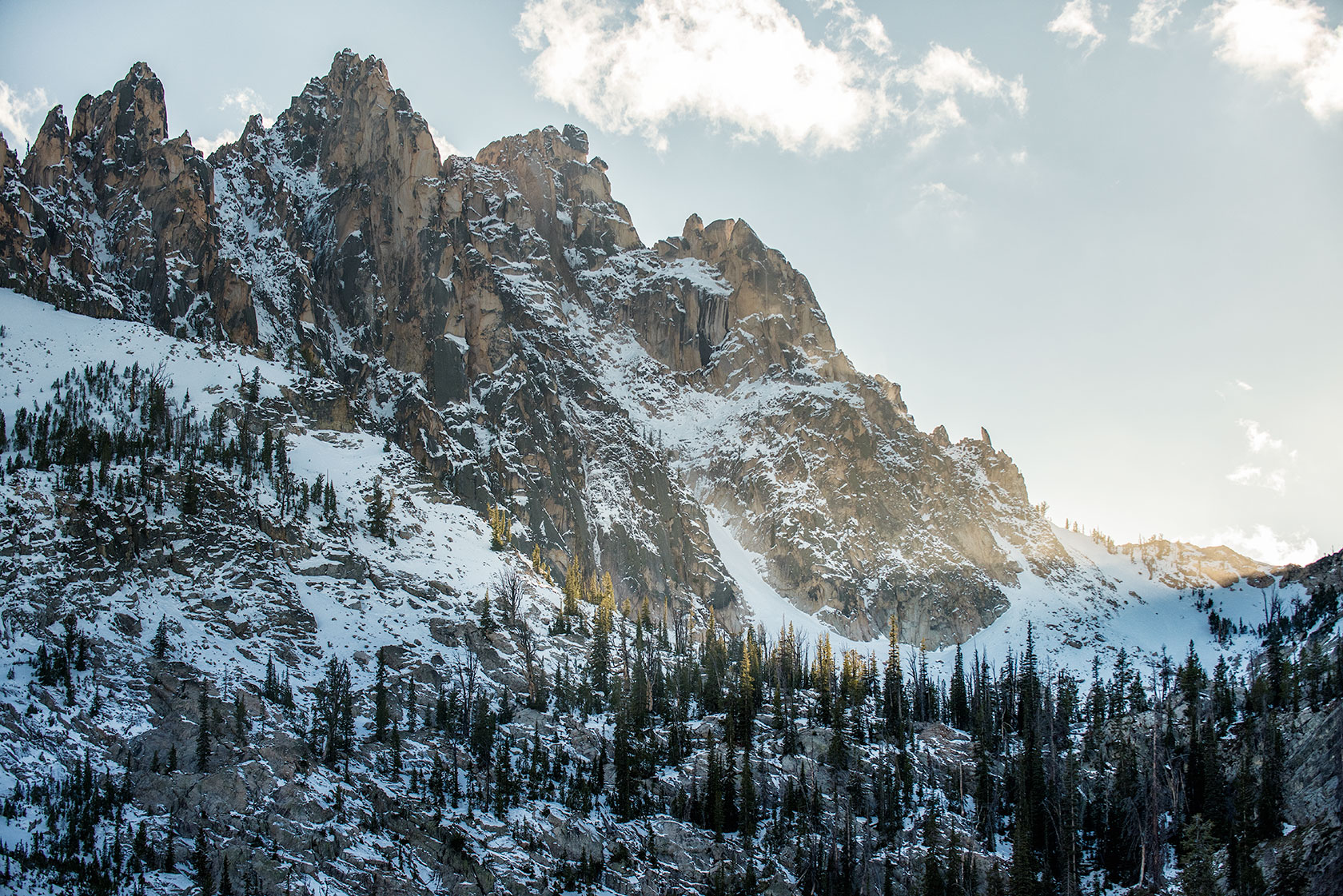 austin-trigg-patagonia-sawtooth-hiking-advenure-wilderness-forest-idaho-outside-lifestyle-day-fall-weather-mountains-bench-lakes-sunset-peaks.jpg