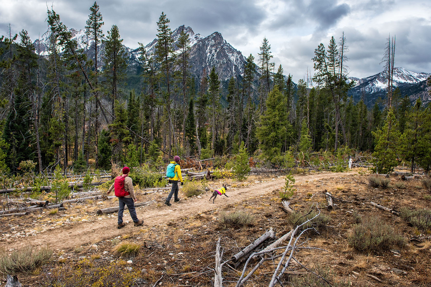austin-trigg-patagonia-sawtooth-hiking-advenure-wilderness-forest-idaho-outside-lifestyle-day-fall-weather-mountains-stanley-lake.jpg