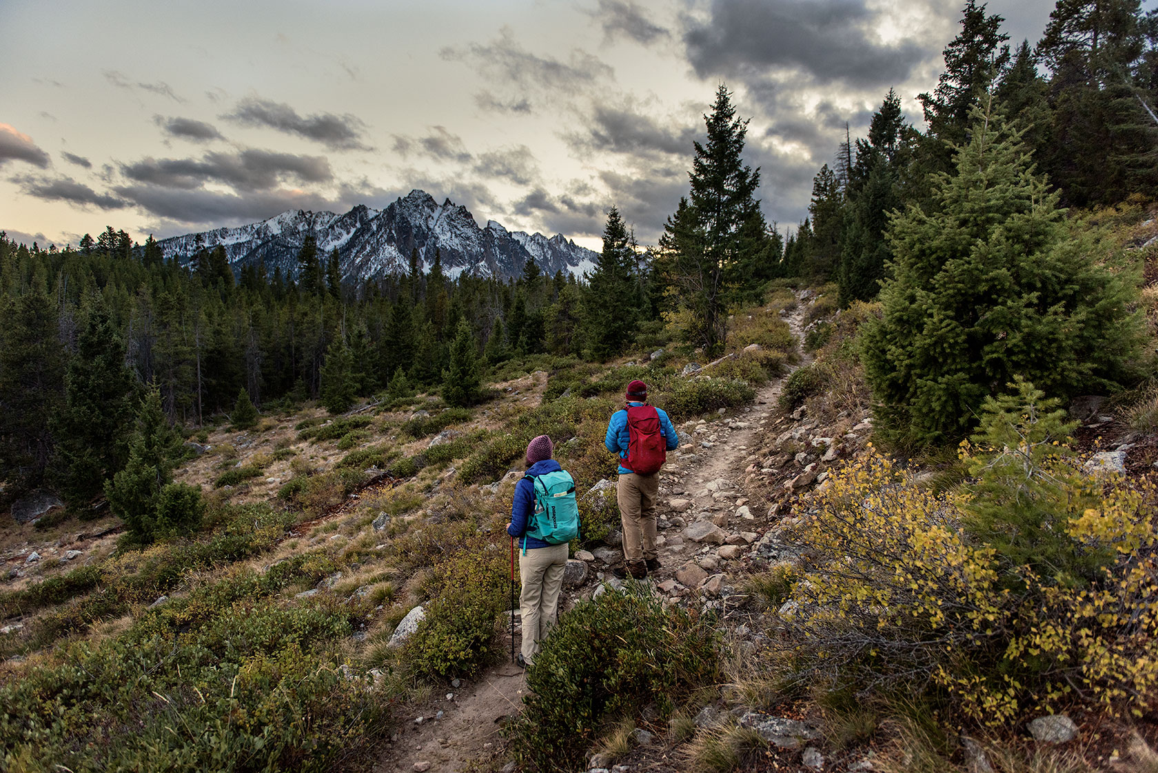 austin-trigg-patagonia-sawtooth-hiking-bench-lakes-sunset-advenure-wilderness-forest-idaho-outside-lifestyle-day-fall-weather-mountains.jpg