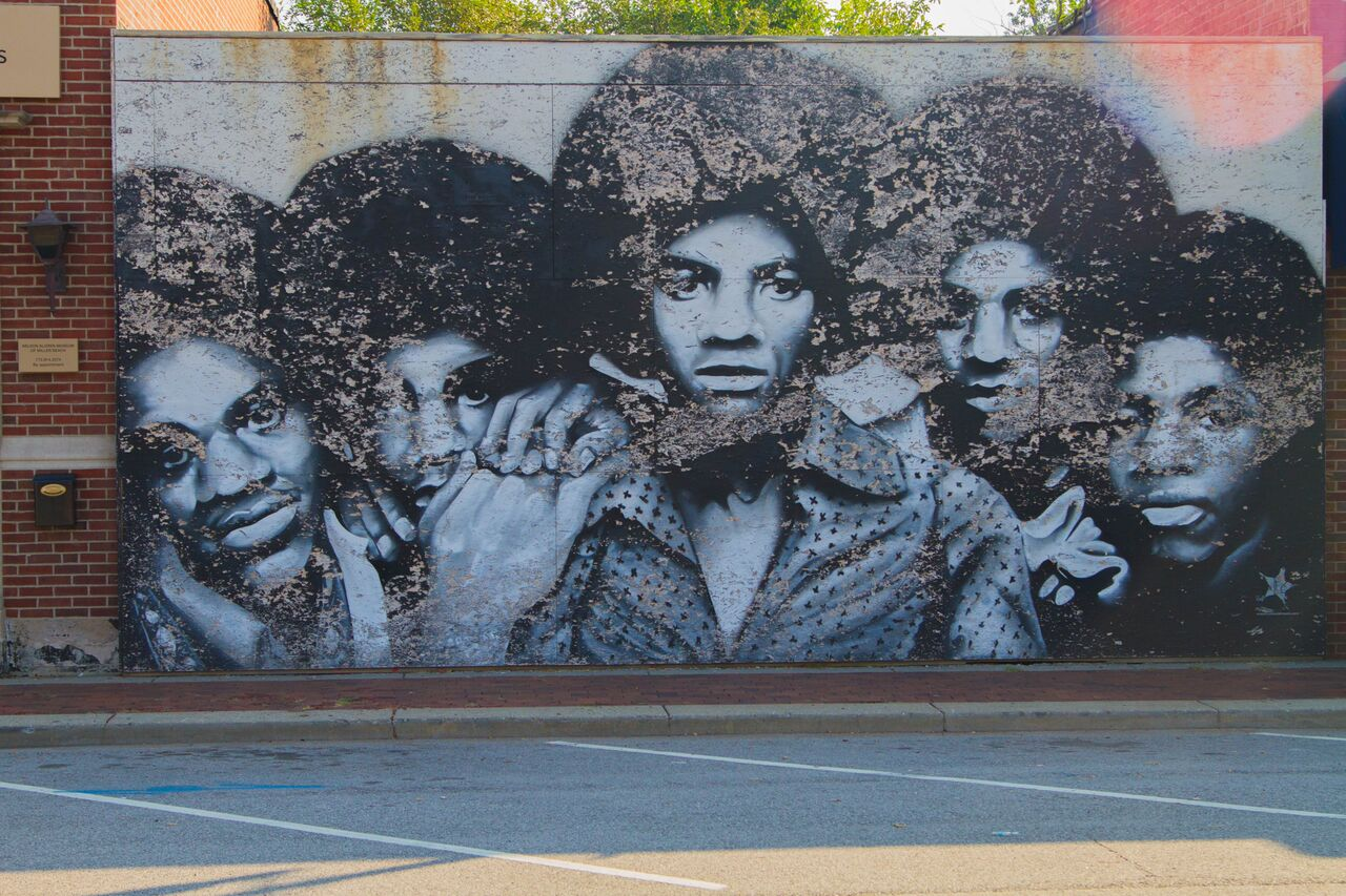 The Jacksons Mural by artist Felix Maldonado. Depiction of the gatefold photograph of The Jacksons (1976) Album- Miller Beach Borough, Gary, Indiana
