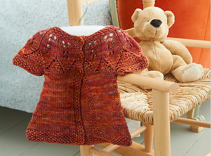 autumn leaves - Don't be dismayed by the number of rows in this pattern—it's actually very intuitive. And the leaves on the yoke hang gracefully on tiny shoulders.Sizes 6-15 months.Enter your email address below to receive this free pattern in your inbox.