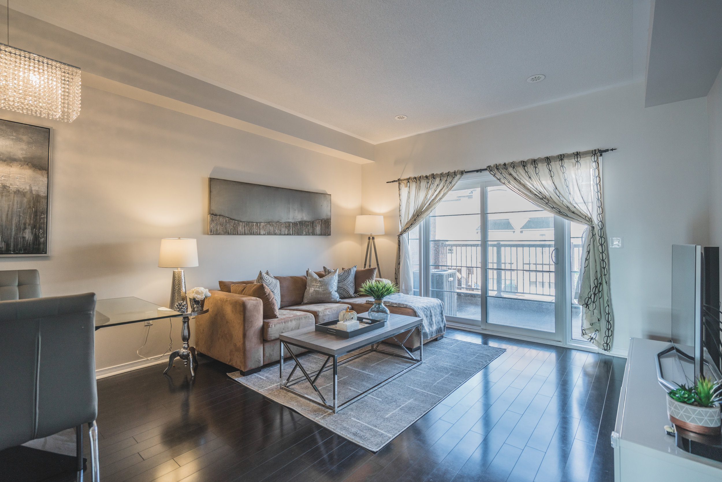 Beehive Markham occupied home staging home stager | Classy Glam Staging 2