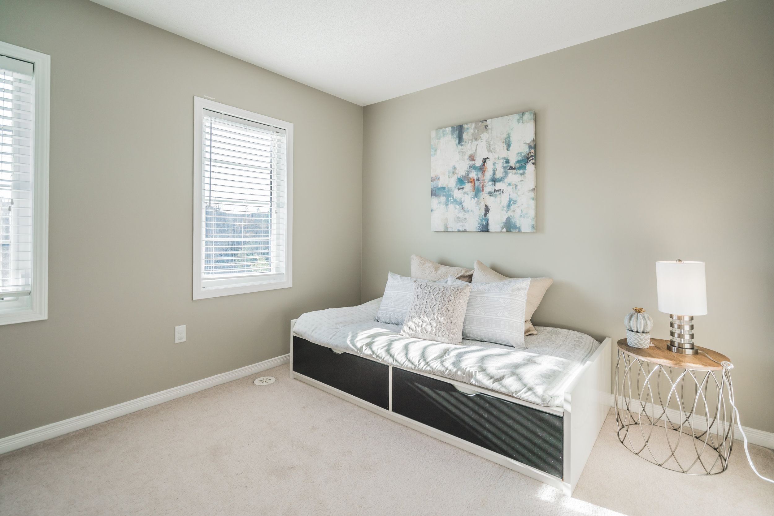 Beehive Markham occupied home staging home stager | Classy Glam Staging 9