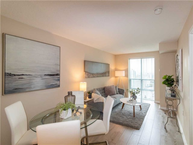 Princess Place III Condo North York vacant condo staging | Classy Glam Staging 2