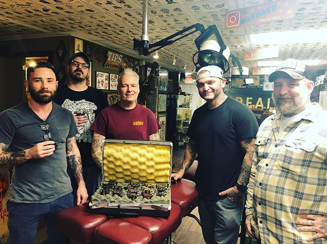 Thanks so much @pacorollins for stopping by! We can't wait to use our new toys!! #fortunebros #traditionaltattoos #boldwillhold #sanantoniotattooartist #sanantonio #blacklinesmatter #blackandgrey #fullcolortattoo