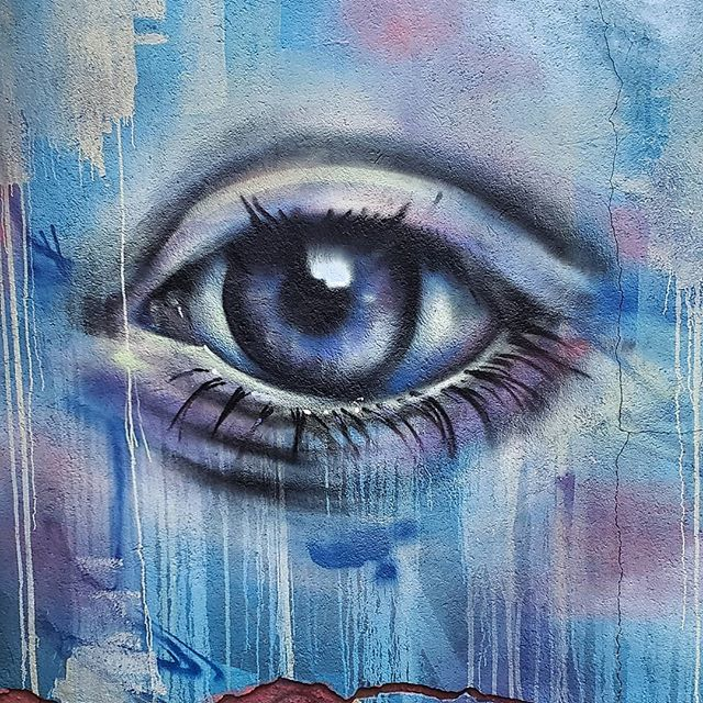 The next time you find yourself feeling anger towards a person, look deep into their eyes. Then you will feel your anger naturally dissipate. Don't believe me? Try it yourself and report back. I swear, its magic! . . #angermanagement #compassion #humanity #forgiveness #humanconnection #mentalhealth #love #counseling #streetart #eye #senamoranlmhc