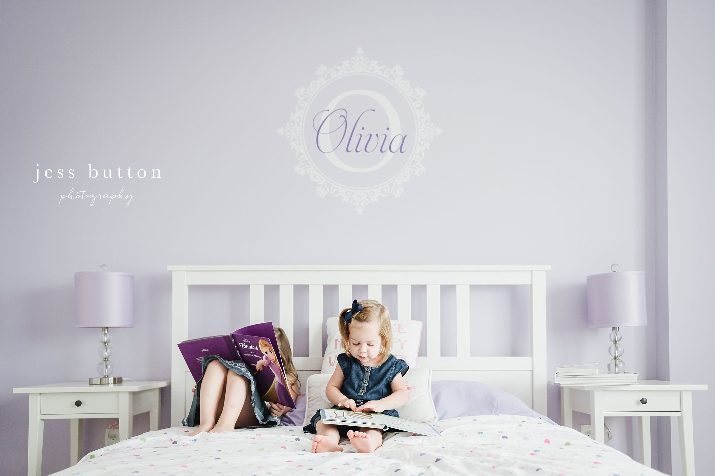 big sisters reading in bed - Fonthill - Niagara Family Photography