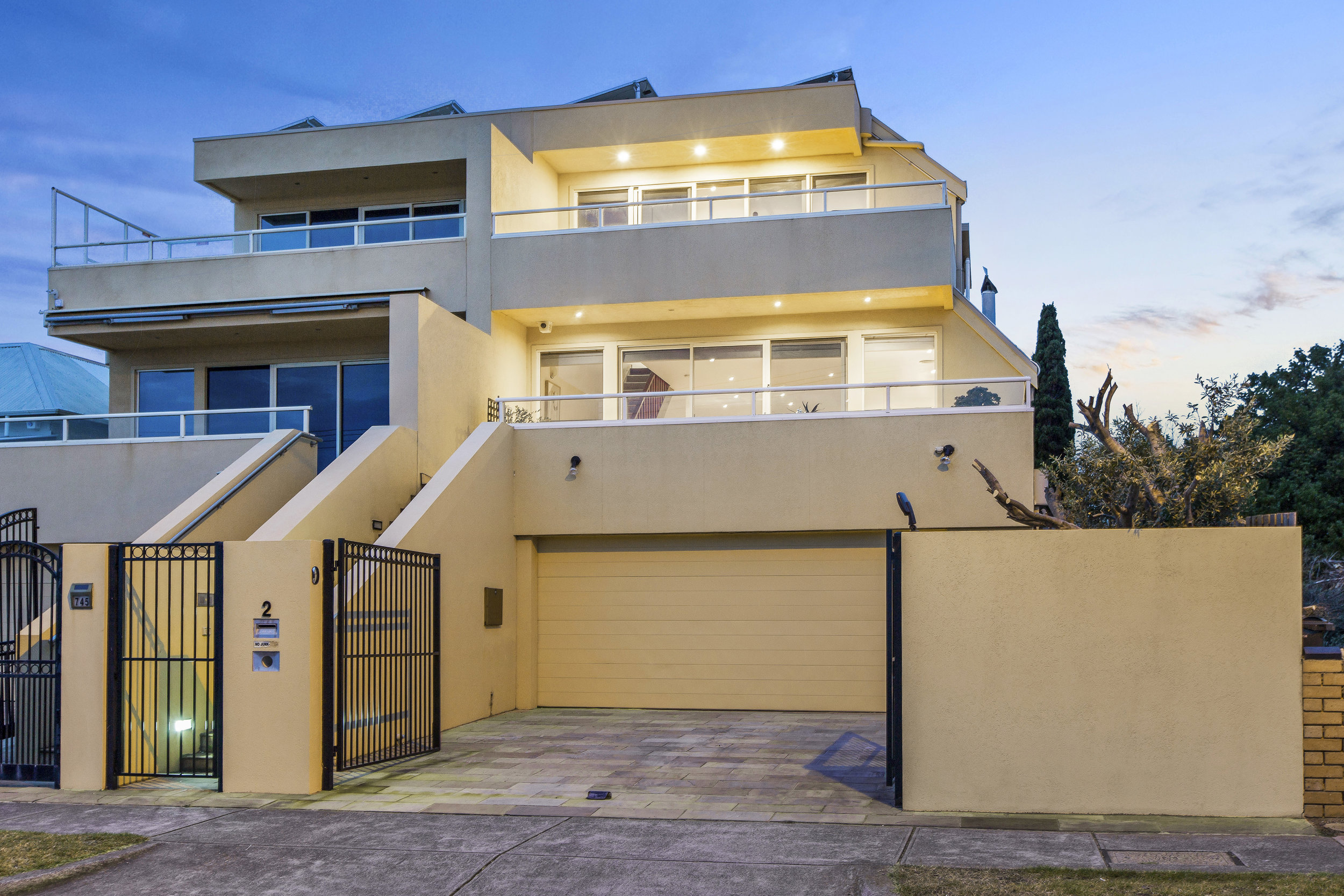 745 Esplanade Mornington SOLD $1,850,000 2018
