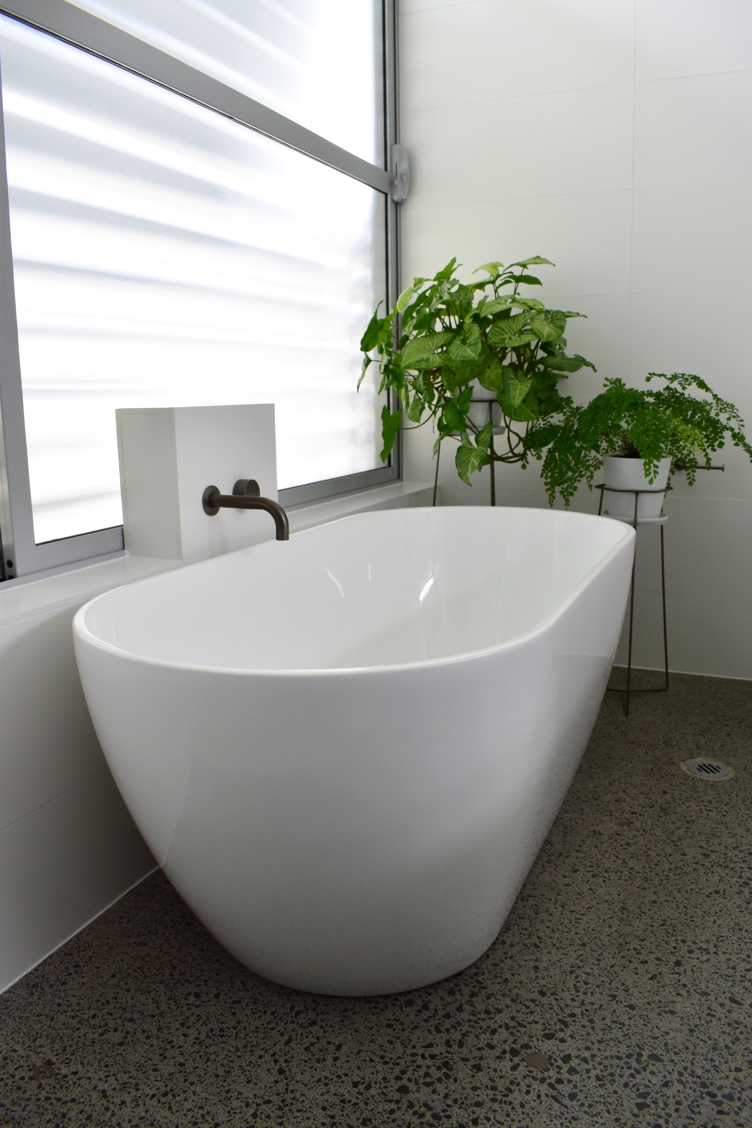 Natural bathtub design