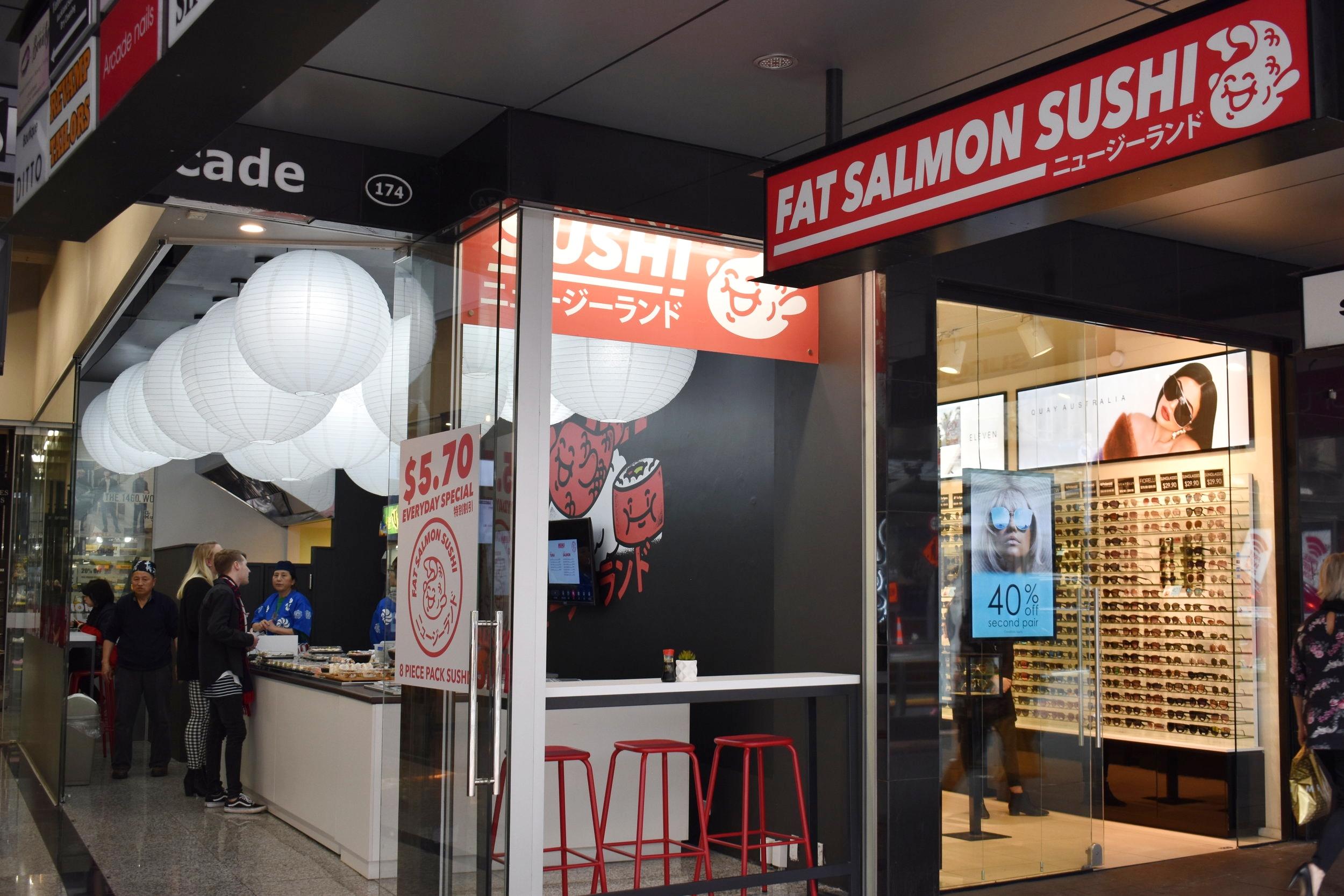 fat.salmon.sushi.JPG