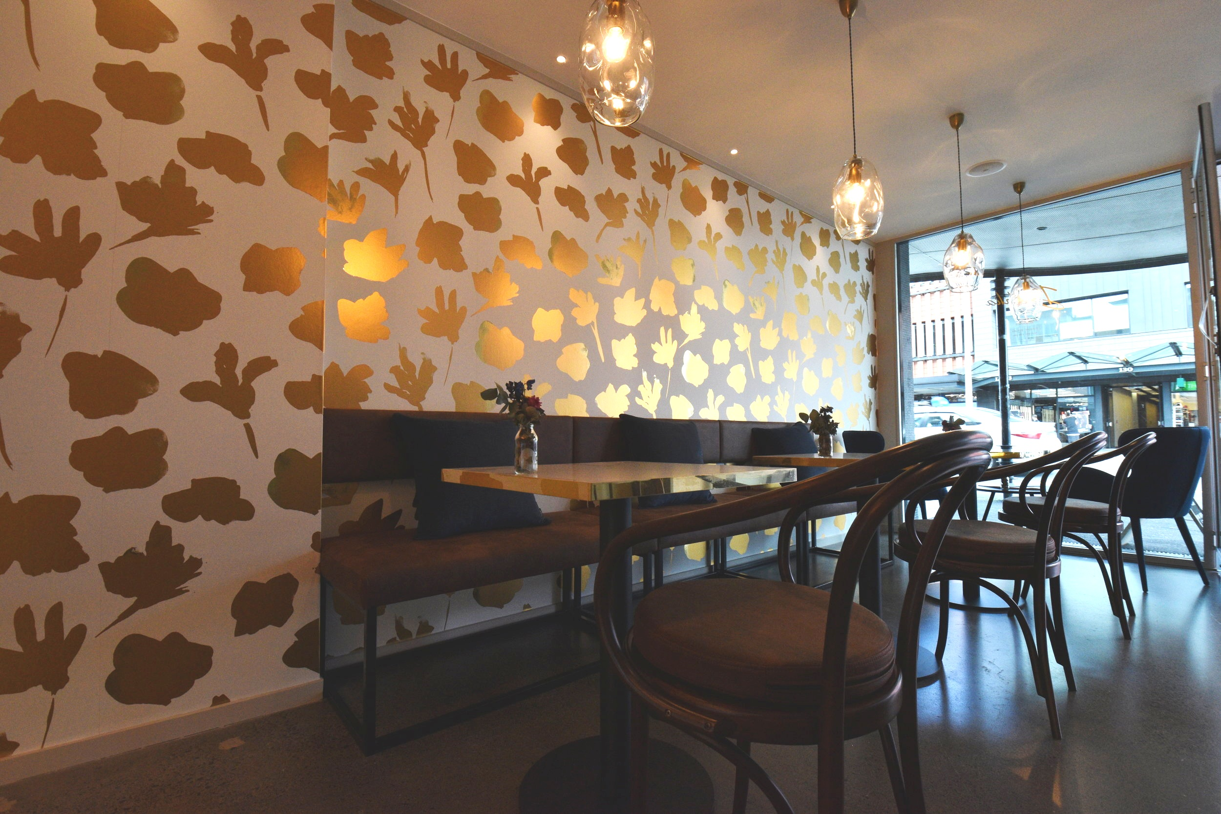 dahlia-ponsonby-dessert-patisserie-coffee-hospitality-design-small-spaces-seating