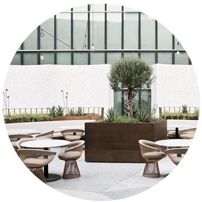 sean-connolly-restaurant-dubai-opera-alexander-co-interiors-_dezeen_hero-1-852x479.jpg