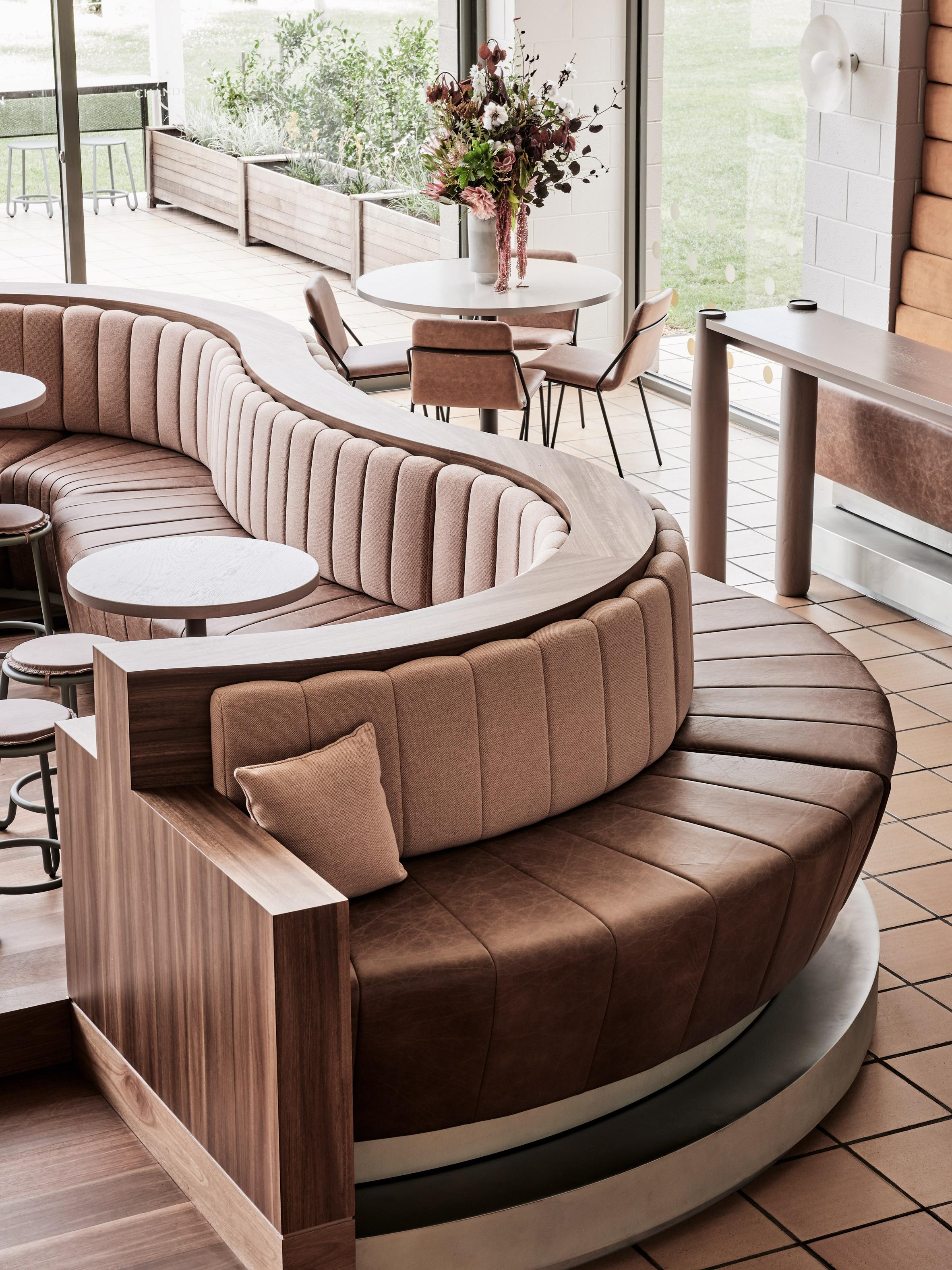 chandon-foolscap-studios-australia-victoria-interiors-bars-extra_dezeen_2364_col_13.jpg