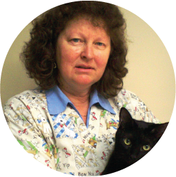 JEANETTE VREDEGOOR  VETERINARY NURSE  Jeanette has been a vet nurse at Railway Row since 1998, and has been serving the vet industry for over 30 years. She works on a part-time basis and has a special interest in cats and puppies, running our own Puppy Preschool.