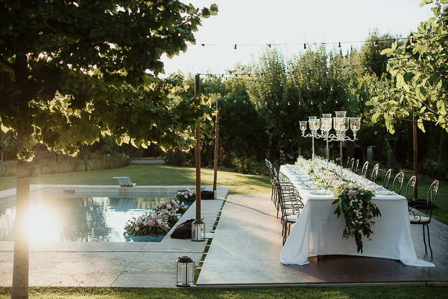 104-get-married-in-cortona-villa-outdor-dinner-alfresco-table-decor-fittings.jpg