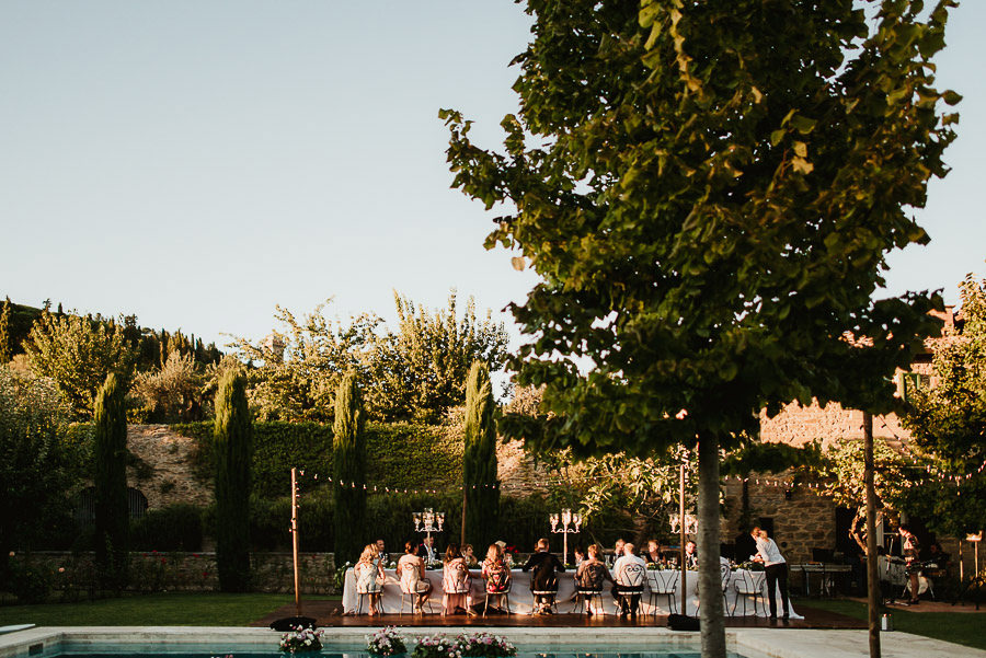 108-get-married-in-cortona-villa-outdor-dinner-alfresco-speaches-groom-bridesmaid.jpg
