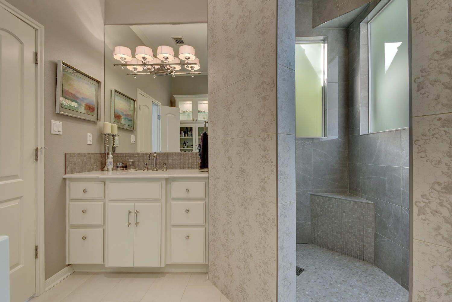 Elegant bathroom design with beautiful bathroom shower tile