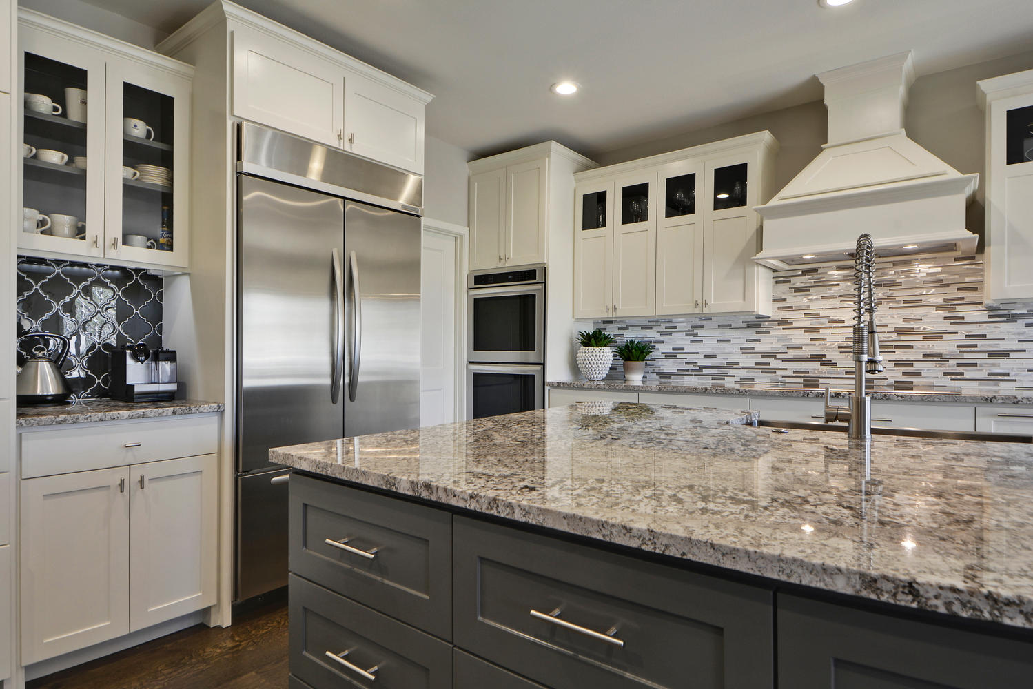 Kitchen design with gray and white tile