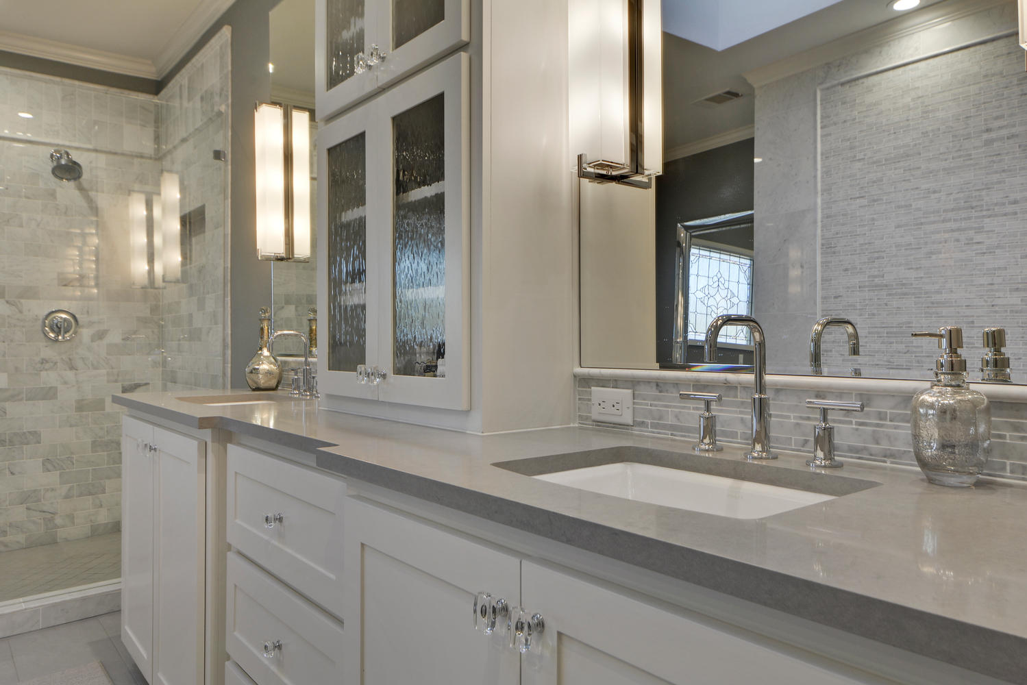 His and hers sinks in transitional bathroom