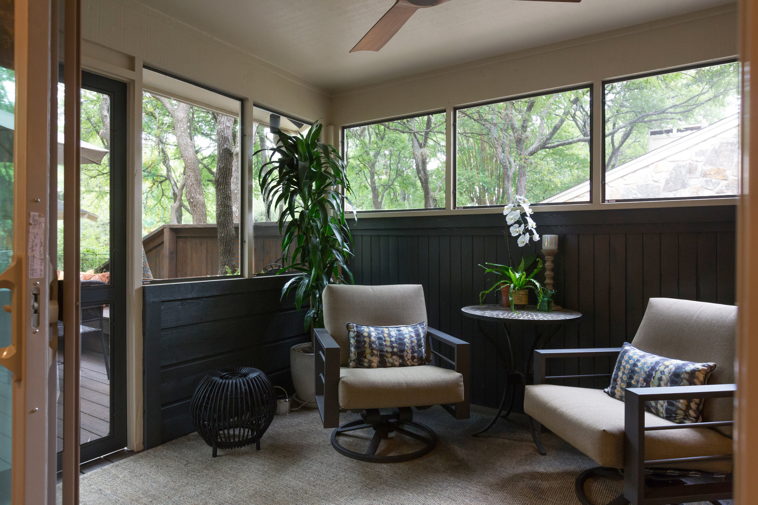 Added sleeping porch in renovated central austin townhome codominium