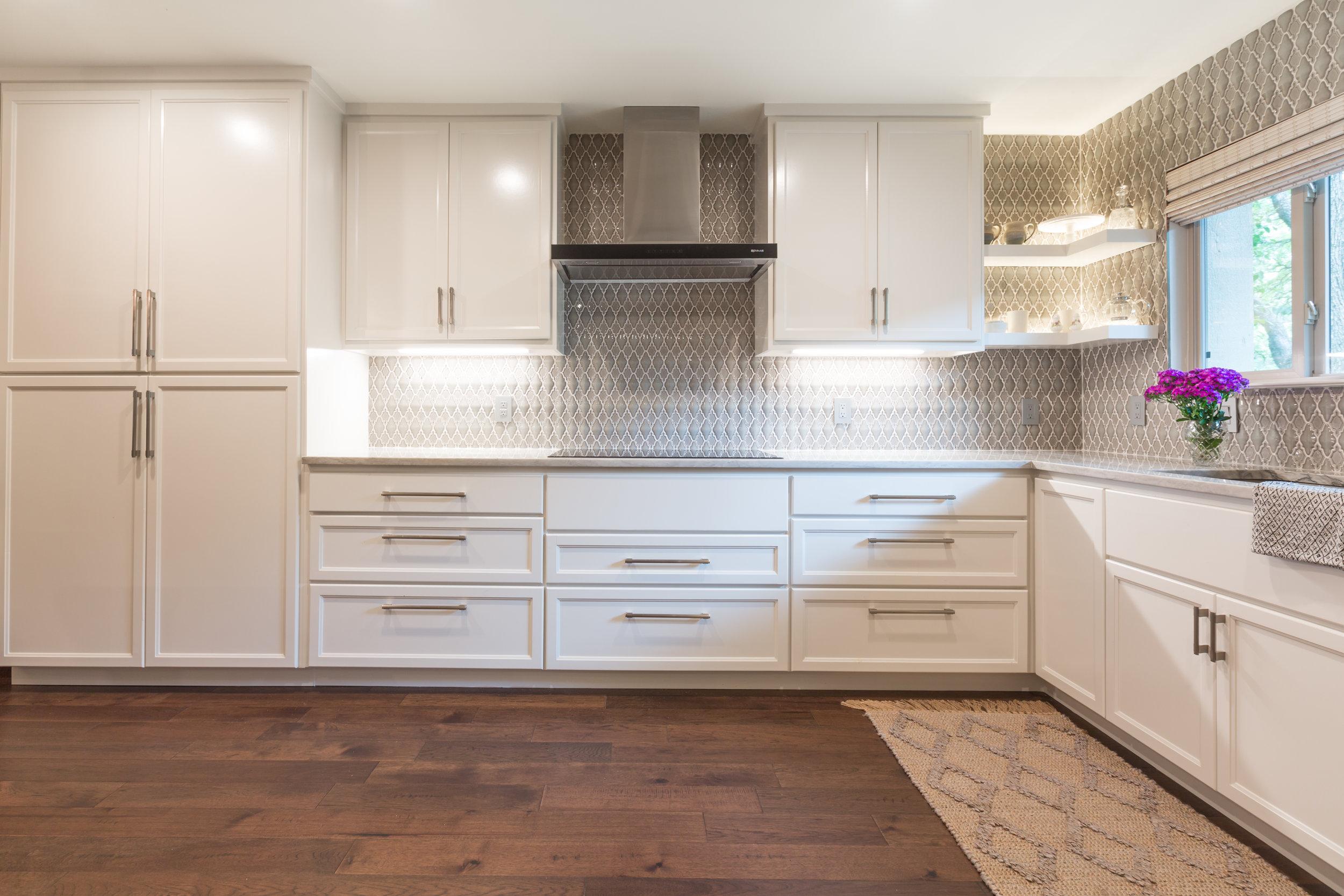 White Transitional Style Kitchen