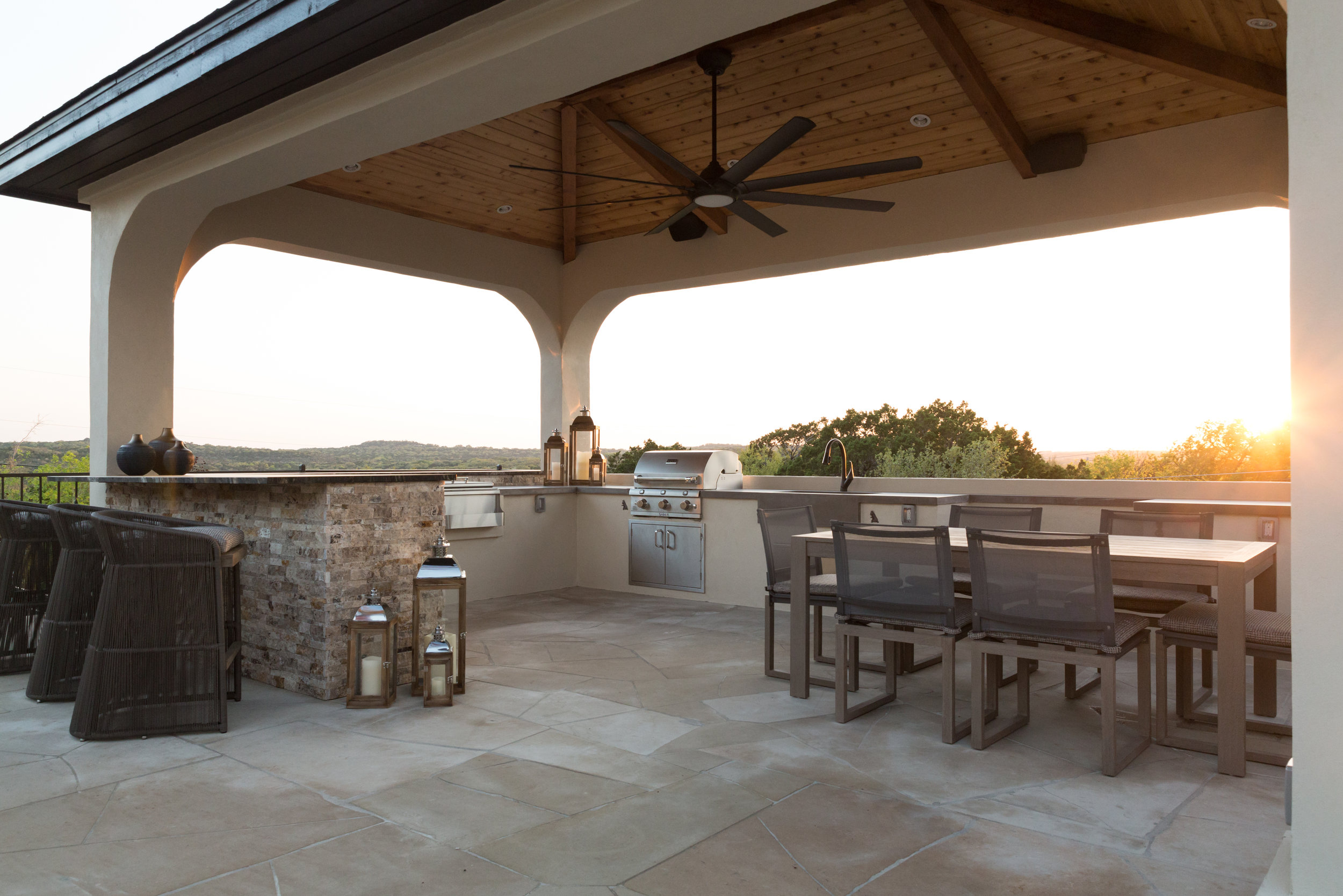 Cabana Bar, Kitchen, and Dining Table