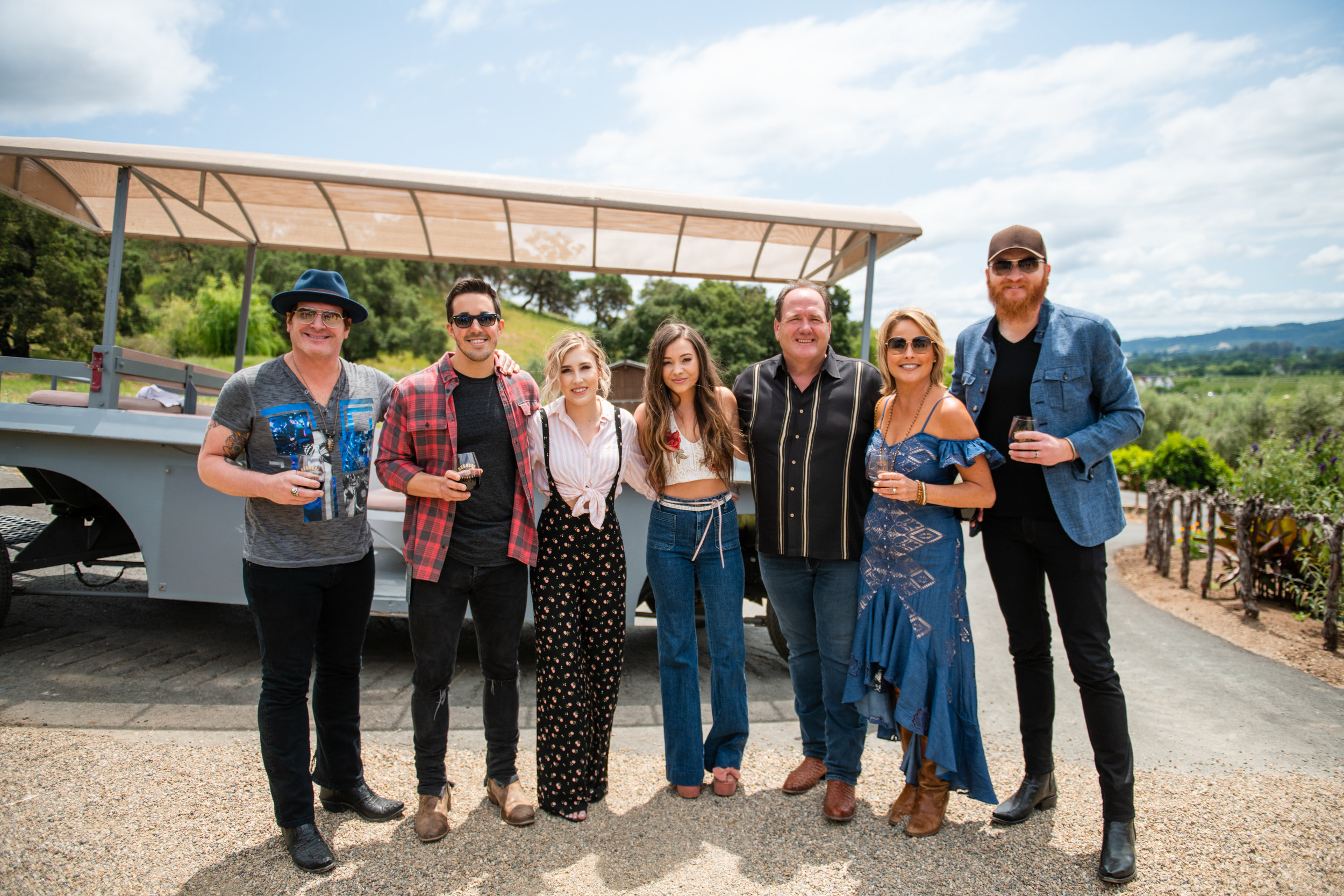 In 2018, which was the first year of Live In The Vineyard Goes Country, Regusci Winery hosted the Artist In The Round Tailgate.   Featured left to right: Jerrod Niemann, Cale Dodds, Maddie & Tae, Jim & Laura Regusci, and Eric Paslay.