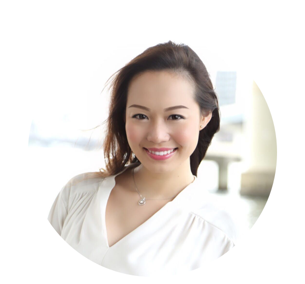 KUBOTA MAYU - 過去準ミスワールド日本代表、ミスユニバース東京代表を受賞した経験.ミスユニバースを目指す女性達のウォーキングやスピーチ指導に携わる。そして現在は、パーソナルカラーと骨格診断に基づいたアドバイスをより多くの人に伝えるため、パーソナルスタイリストとして活躍中。