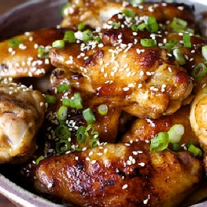 Sticky Barbecue Wings / via IBS Sano