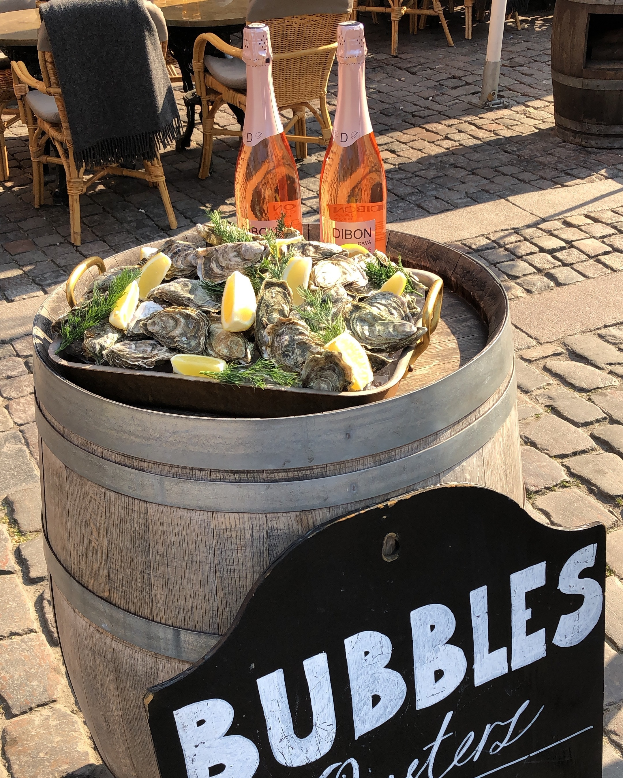 Bubbles+and+oysters