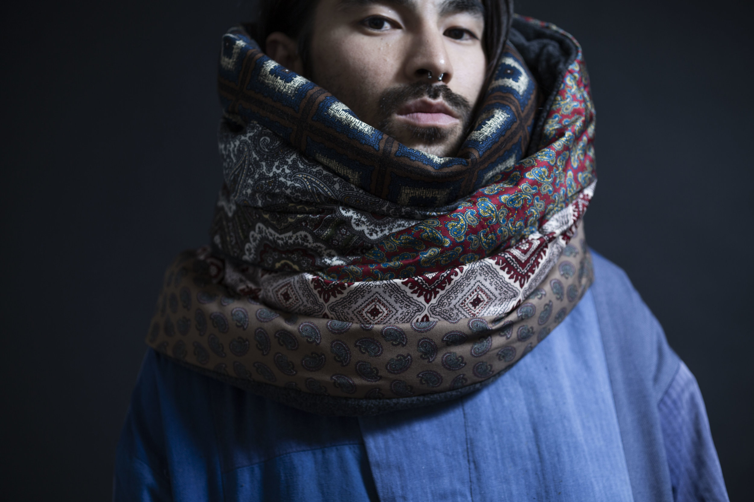 VARIOUS SCARF DOWN