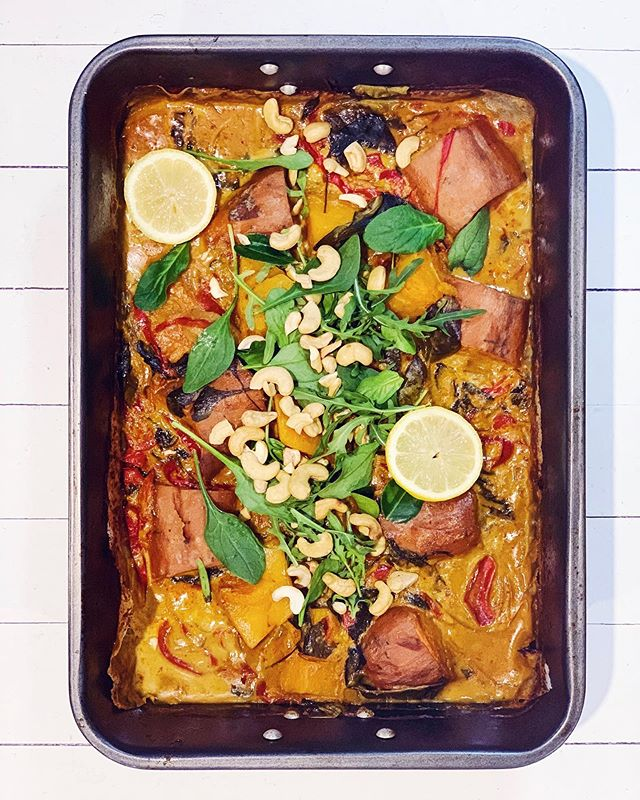 Simple curry recipe ✨ This oven-baked roast veg, lentil & cashew red curry has to be one of my favourites. You'll need... For base: 1 large sweet potato, cut into chunks 1/4 butternut pumpkin, cut into chucks 1 red capsicum, finely sliced 1 onion, finely sliced  1 cup spinach  8 kefir lime leaves  1 can brown lentils, rinsed and drained  _ For sauce: 1 Tb lemongrass paste 1 cup vegetable stock 400ml coconut milk  1/4 cup red curry paste (@ayamaustralia is the best!) 1 Tb fish sauce  1 Tb grated palm sugar  _ To serve: 1/2 cup cashews Fresh coriander Fresh lemon/lime Cooked brown rice _ To make: 1. Preheat the oven to 200 degrees. 2. Chop all the veggies and add to a large baking dish with the lentils. 3. Mix all the sauce ingredients together and then pour over the veggies.  4. Cover tightly with aluminium foil and cook covered for 45 minutes. 5. Remove the foil and cook for a further 15 minutes or until the sauce has reduced. 6. Serve with chopped cashews, coriander, a lemon wedge and rice.