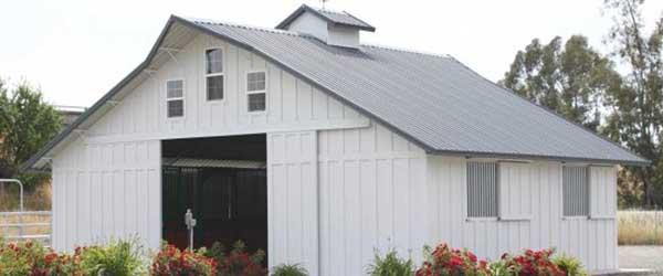 custom-barns.jpg