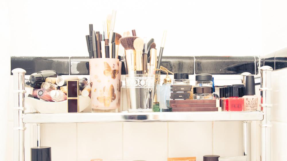 Laura_Brown-10-11-Natural-Products-Makeup-homepage.jpg